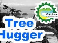 Tree Hugger - Kaiteriteri - NZ by Hugo