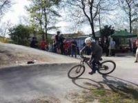 Spielplatz Erlenweg: Pumptrack und...