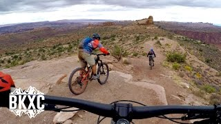 Mountain Biking Porcupine Rim in Moab, Utah -...