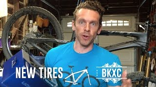 Putting on new tubeless MTB tires