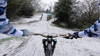 RIDING DOWNHILL MTB IN THE SNOW!?!