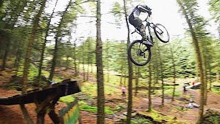 HUGE DOWNHILL MTB PARK ! * CRASH FOOTAGE *