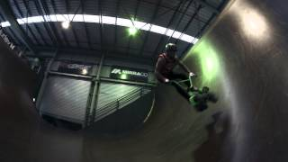MiniBMX whip airs with Harry Main