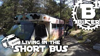 Living in The Short Bus - Andrew Taylor -...
